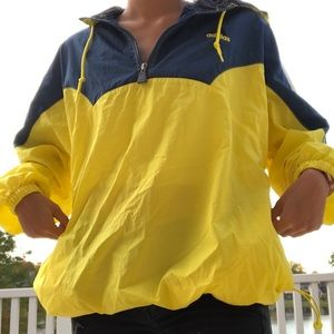 L NAVY BLUE AND YELLOW PULLOVER WINDBREAKER